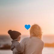 Nuestro eje sólido. Felicidades, mamás.   Link en BIO.   #diadeladre #madres #mom #regalosparaeldiadelasmadres #spain #love #vsco #inspo #ideas #familytime